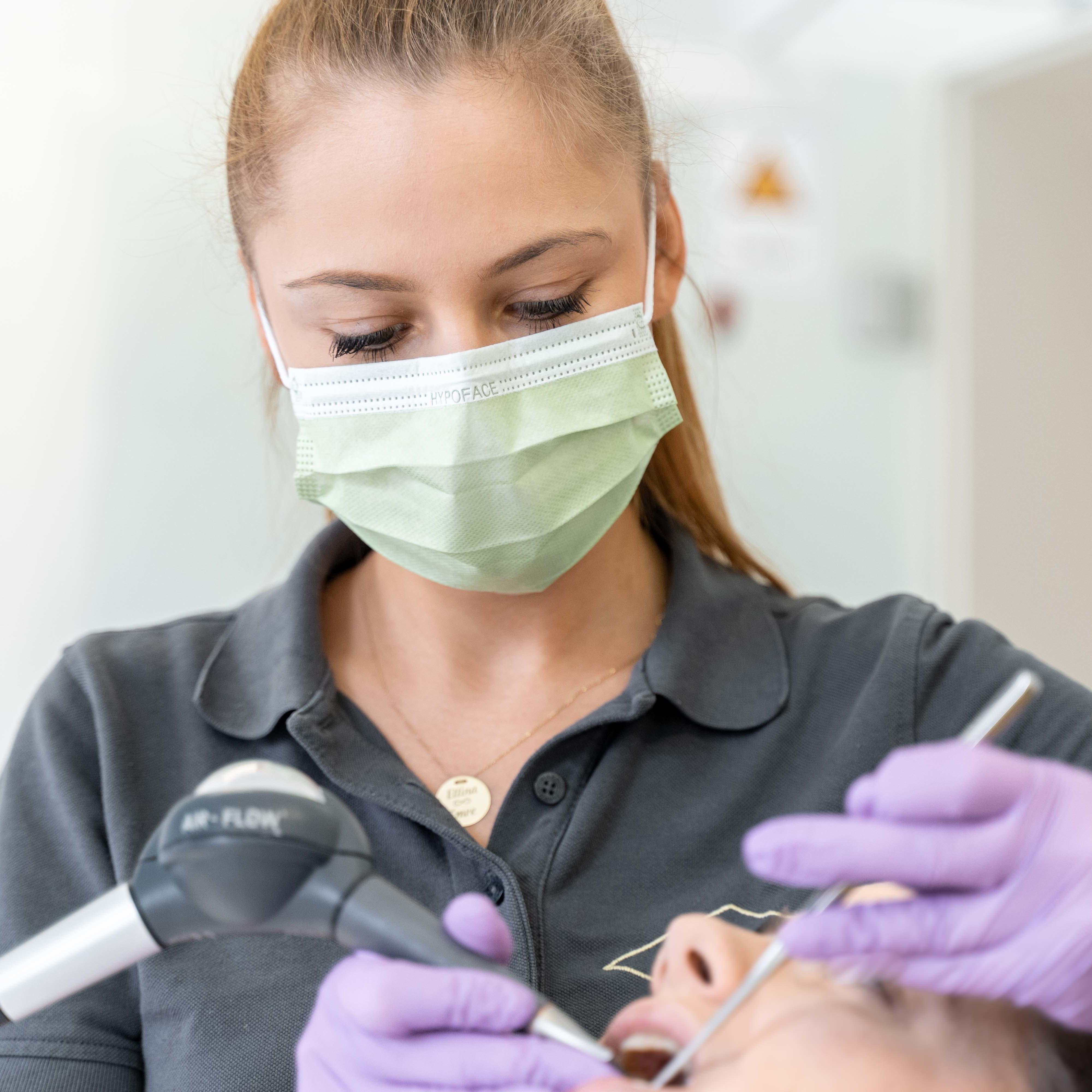 Zahnarzt Jobs und Ausbildung Karriere bei Dr. Dirk Dieudonné Rüsselsheim